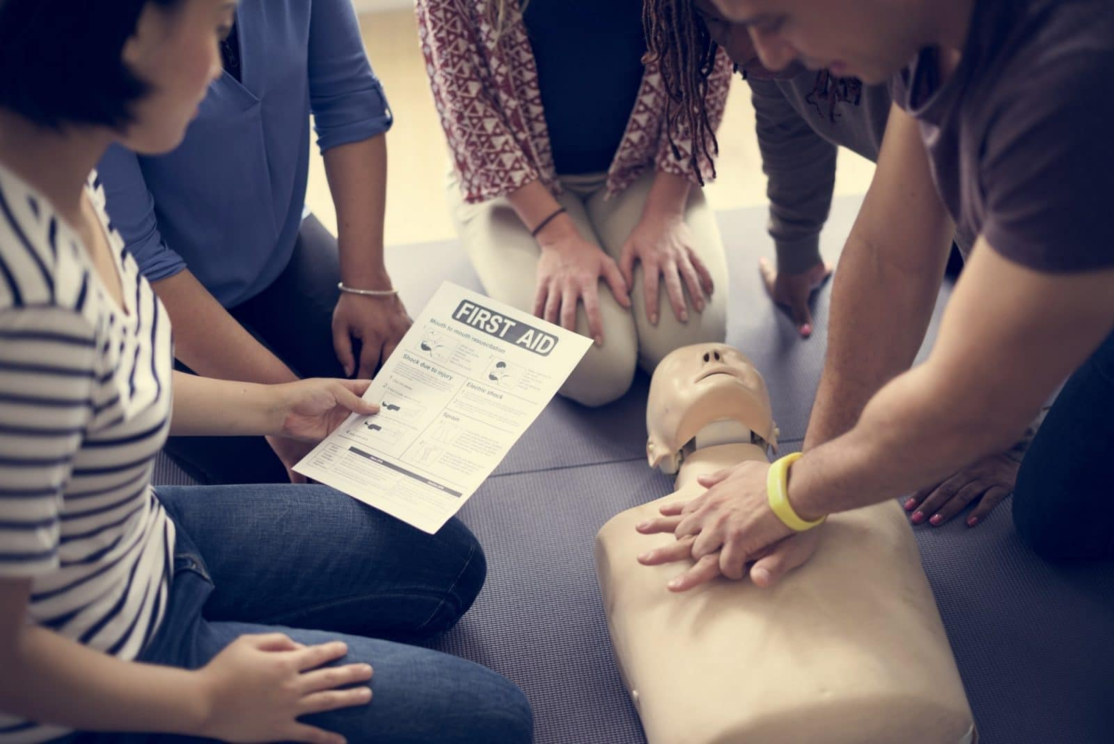 Why It Pays To Provide First Aid Training For Your Office Staff